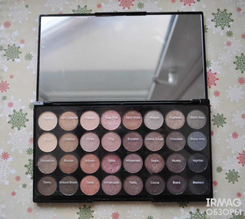 Палетка теней Makeup Revolution Ultra 32 Shade Eyeshadow Palette, Flawless Matte (16 г)