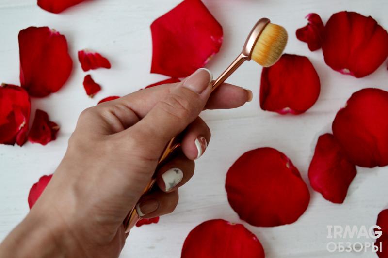 Кисть для макияжа Makeup Revolution Precision Brush Oval Shape (14,5 см)