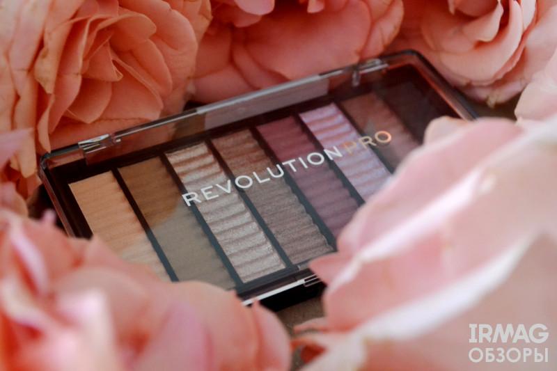 Палетка теней Makeup Revolution Pro Supreme Allure (8 х 1 г)